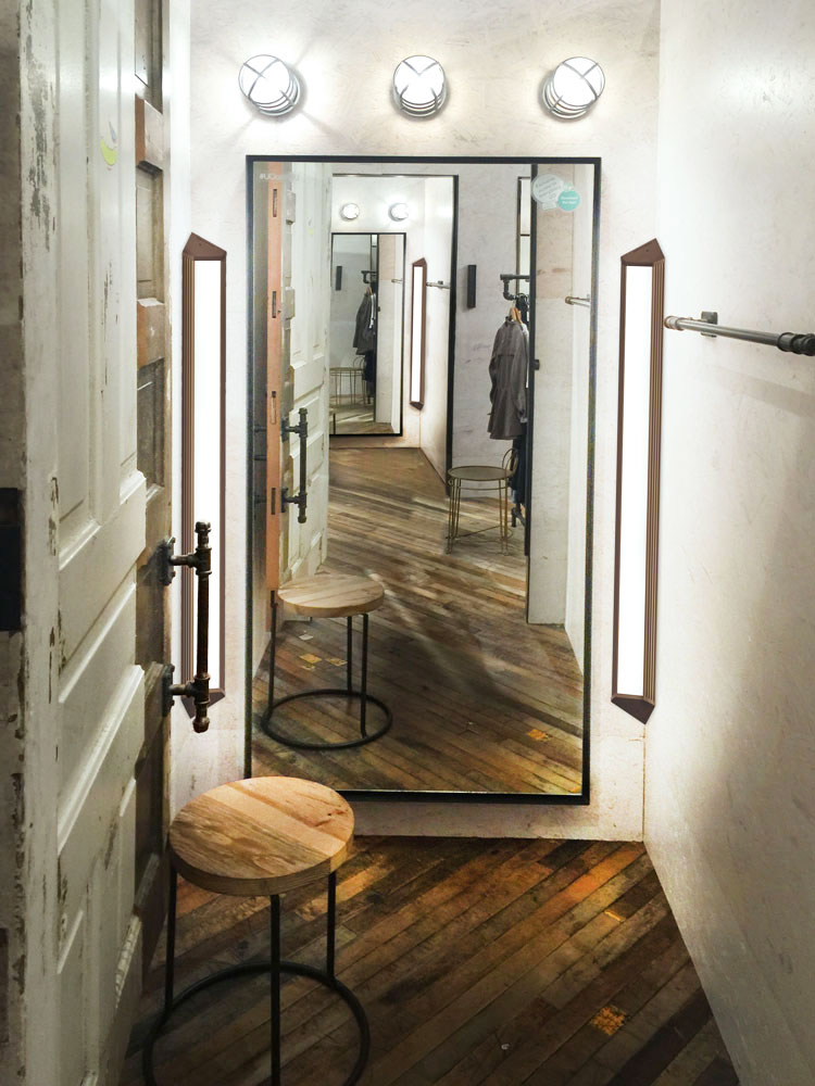 Fitting Room Designs For Retail: Indyme, LLC > TrueView™